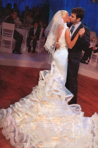 Просто фантастика.  Самые-самые звездные свадебные платья: бисер, жемчуг и бриллианты.  Фото!