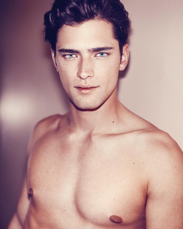 10 самых красивых и сексуальных иностранных мужчин в мире