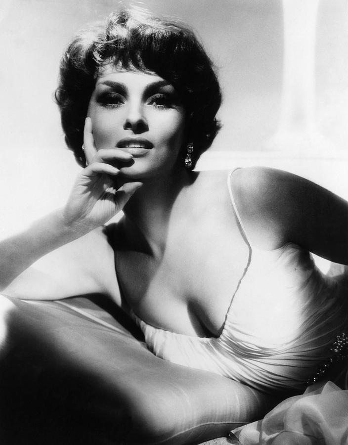 Итальянские пышногрудые актрисы фото 566-715