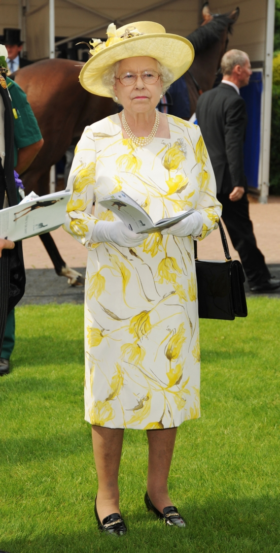 http://vev.ru/uploads/images/00/00/84/2011/05/22/queen-elizabeth-ii-jpg.jpg
