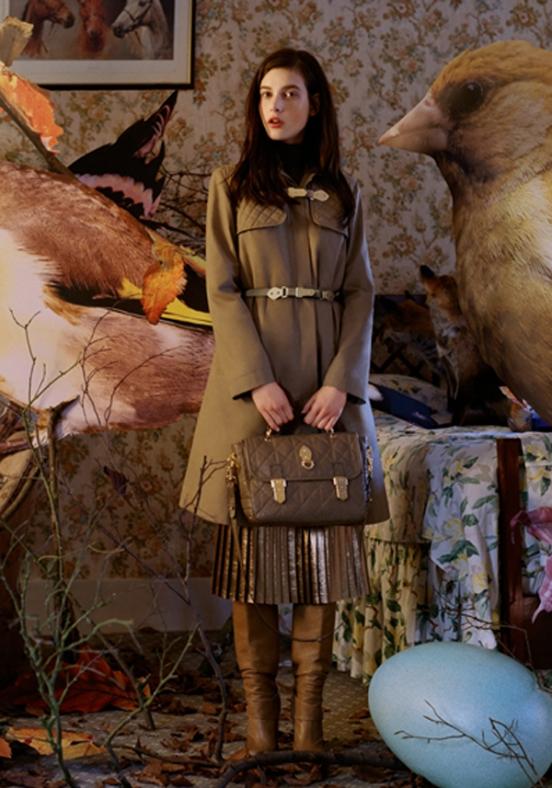 В мире моды новая тенденция - лицами рекламных кампаний именитых брендов...