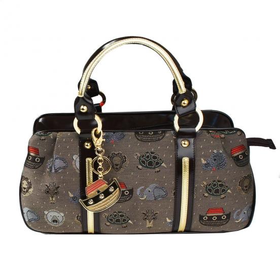 В 2010 году Braccialini выпустили коллекцию сумочек совместно с...