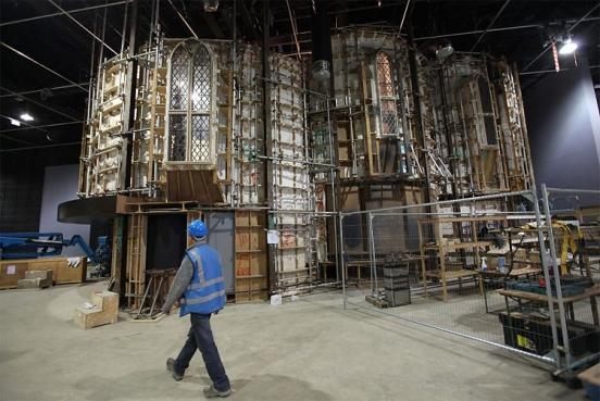 http://vev.ru/uploads/images/00/01/43/2012/03/19/Albus%20Dumbledore%E2%80%99s%20office%20set.jpg