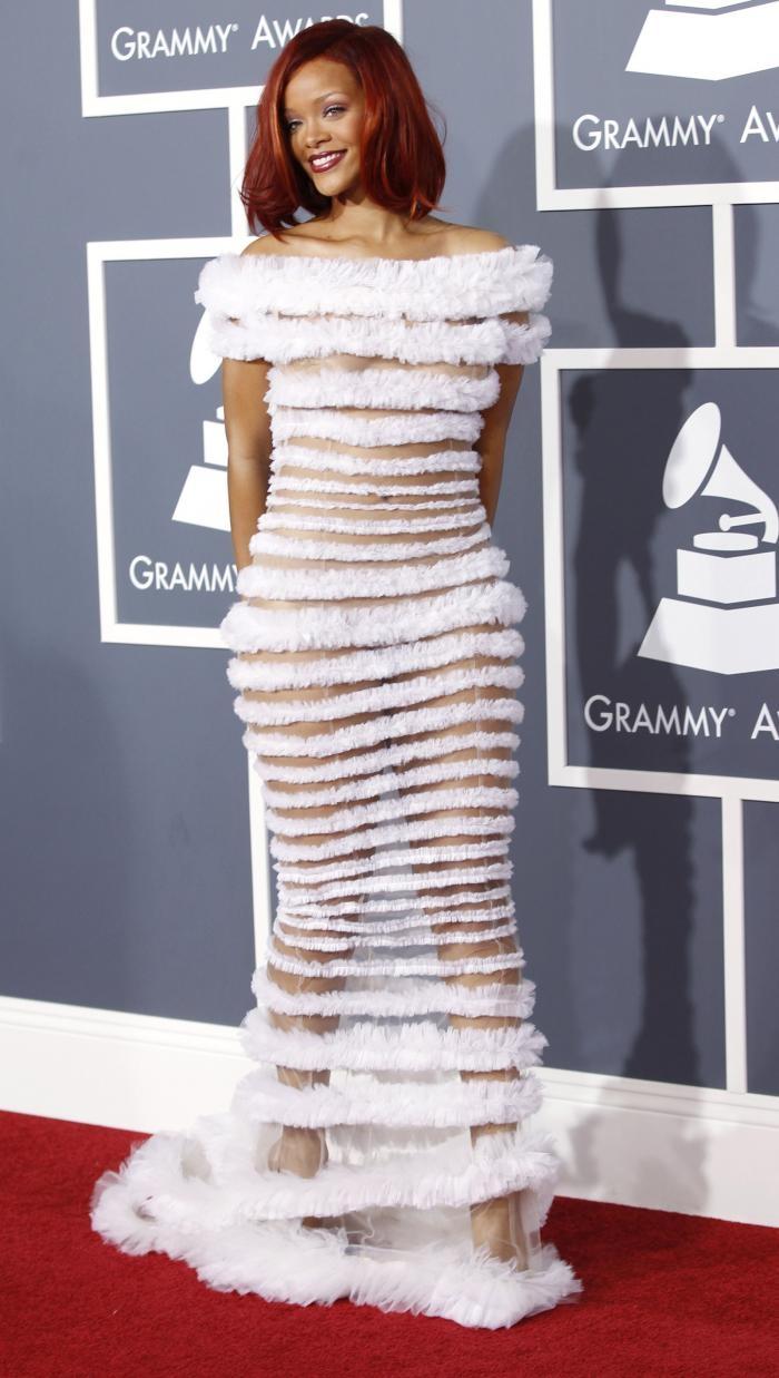 Смотреть женщины любят просвечивающие платья 23 фотография