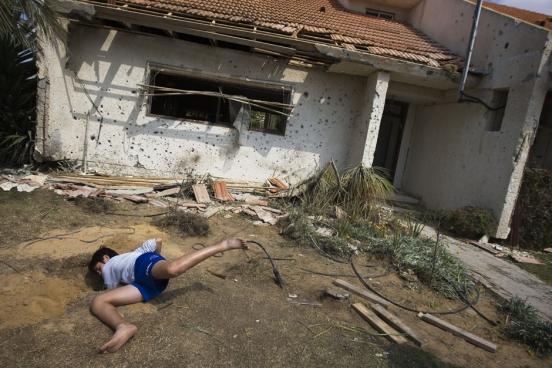 http://vev.ru/uploads/images/00/01/45/2011/12/12/22POY2011RTR2KFJG.jpg
