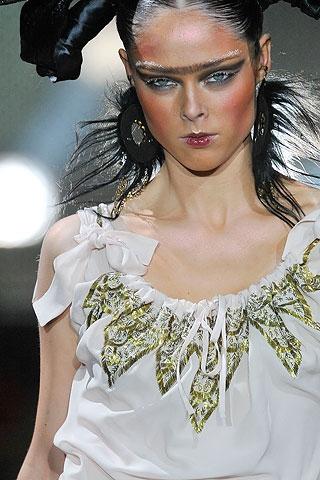 Фото моделей с макияжем: