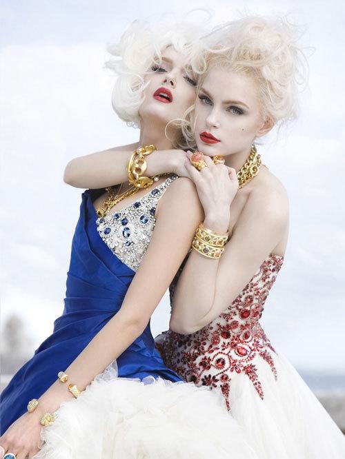 Девочки В Купальниках