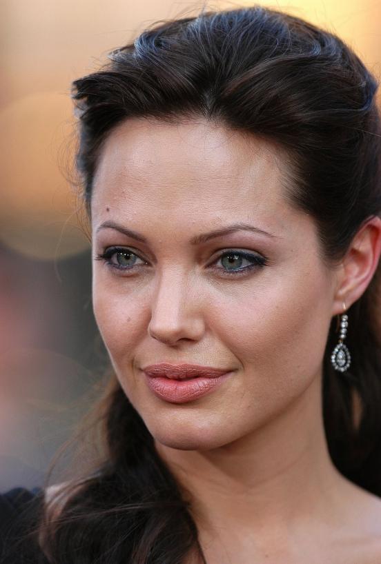 Самые сексуальные актрисы голливуда с зелеными глазами