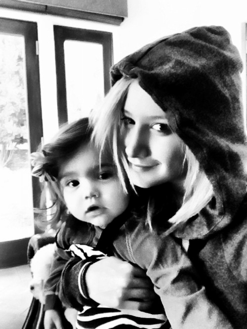 Ashley Tisdale  - პირადი ფოტოები