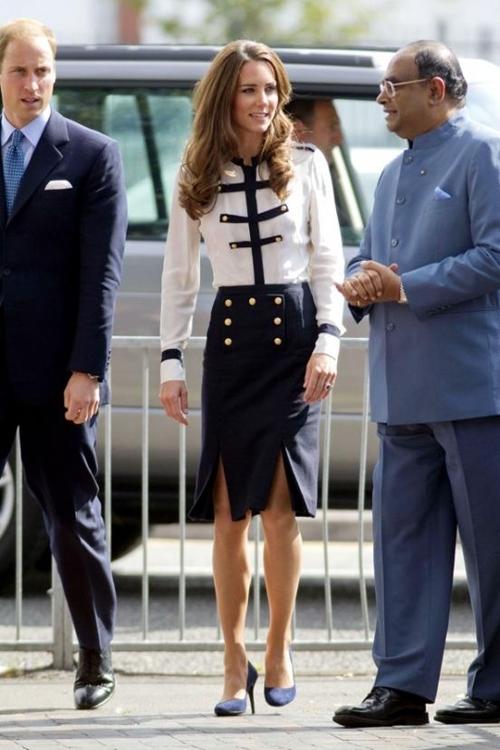 Кейт мидлтон в прозрачном черном платье