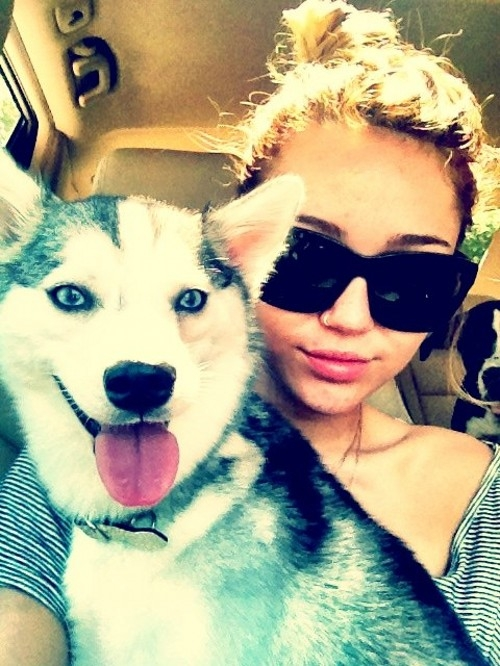 Miley cyrus-ის პირადი ფოტოები