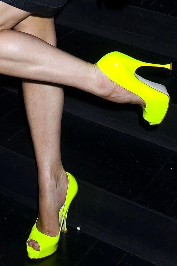 Фото крупным планом ножки 92476 фотография