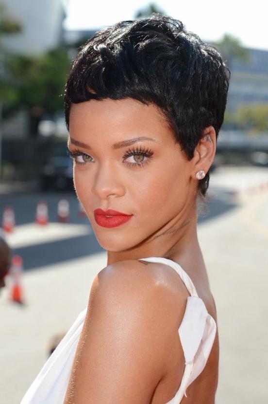 Новые lt b gt причёски lt b gt знаменитых lt b gt девушек lt b gt фото 2013