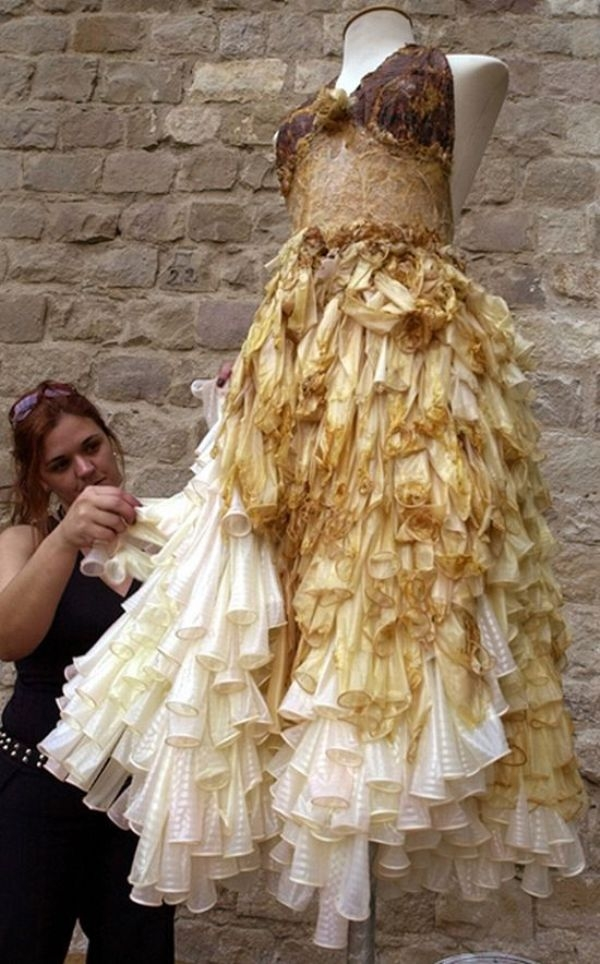Фото платьев и презервативов