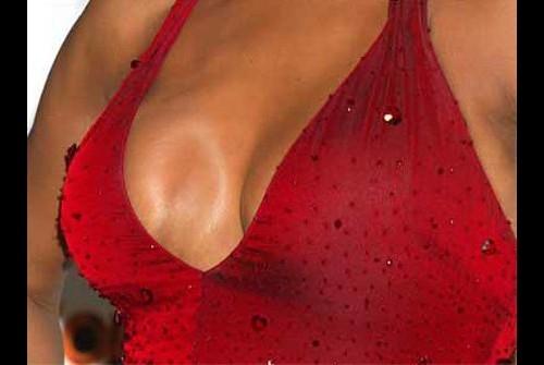 фото соски через блузку