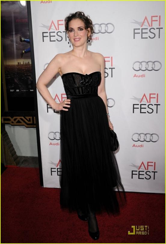 публичное мероприятие, шикарное платье, черный цвет.