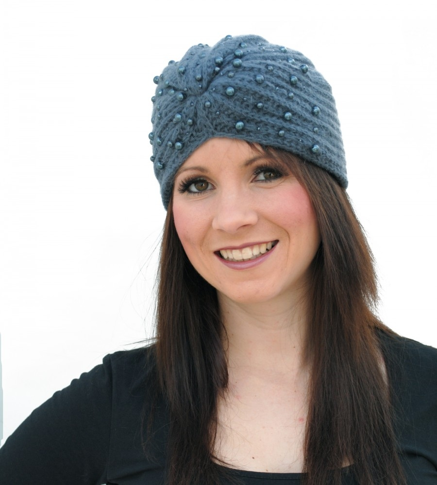 схема вязания женской шапки из травки
