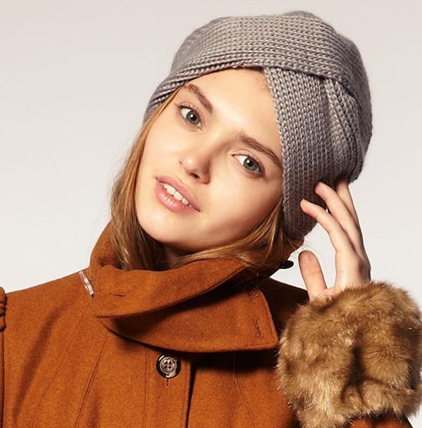 такую вязаную шапку стоит