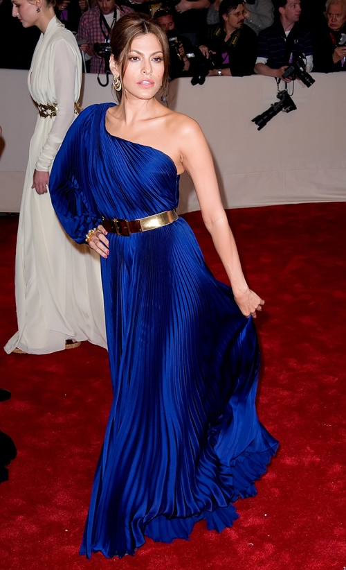 Голубое шикарное платье