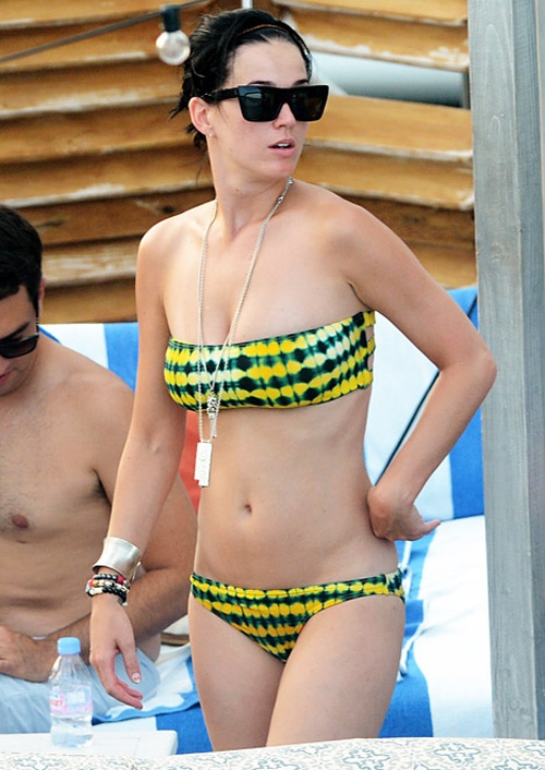 Фото русских актрис на пляжах