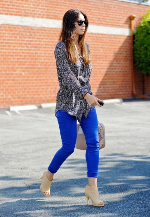ფერადი ჯინსები ვარსკვლავების მაგალითზე