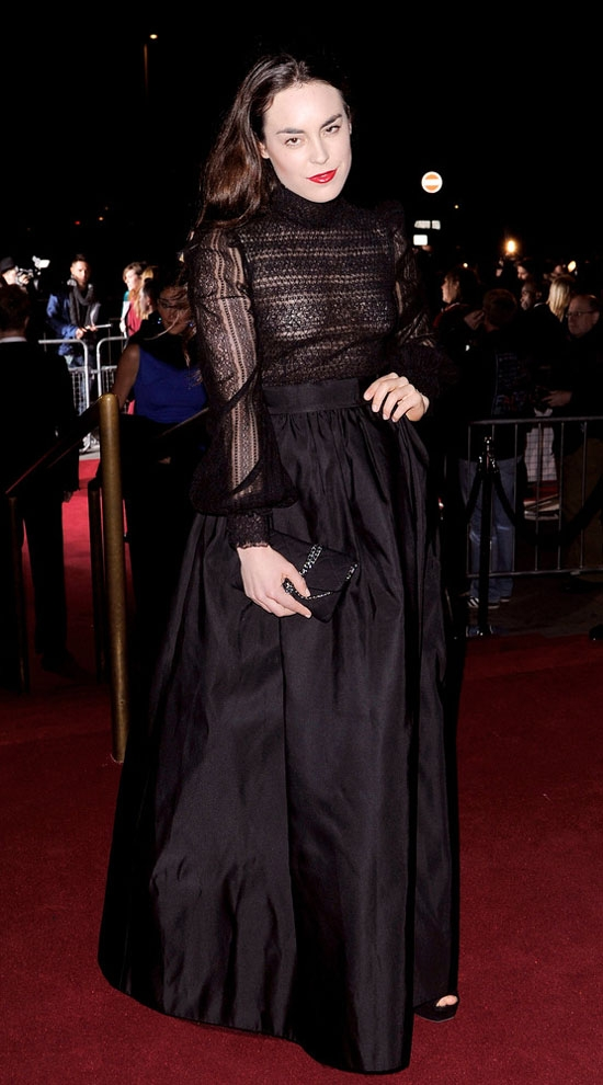 Просмотр фото жена не одела трусики под прозрачное платье 14 фотография