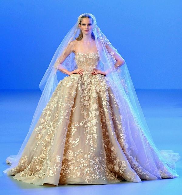 Самые красивые свадебные платья в мире со стразами 31