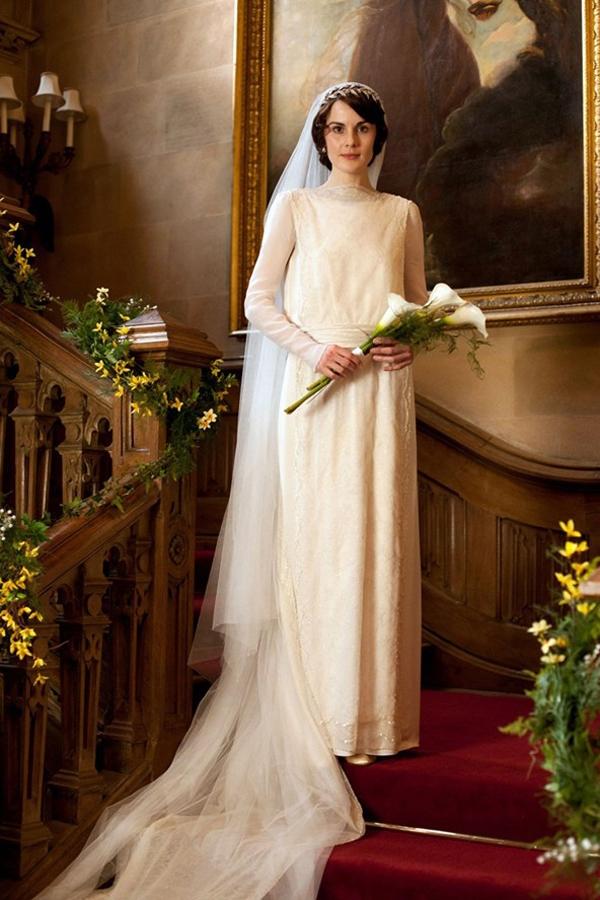 b87a5b36f7a Свадьба Джона и Мэри в сериале «Шерлок» запомнилась свадебным нарядом Мэри.  Платье