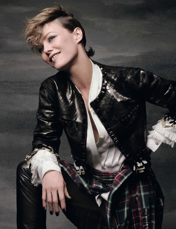 http://vev.ru/uploads/images/00/04/72/2014/04/03/Vanessa-Paradis-Elle-France-Karl-Lagerfeld-05.jpg