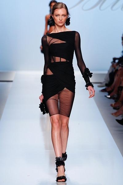 Изысканность и... Короткие вечерние платья 2012: D&G. Интрига коллекции...