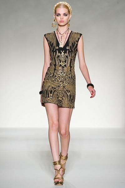 Платье с золотым низом