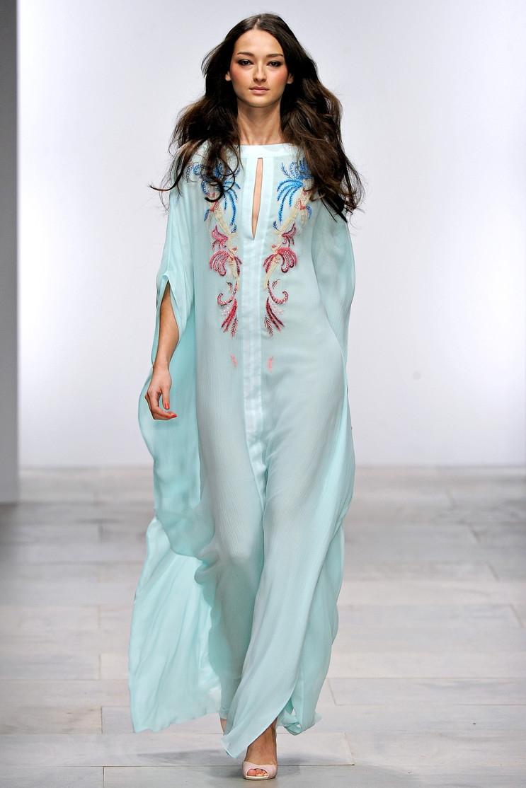 Модные цветные платья фото