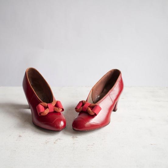 Красные туфли вообще туфли красные