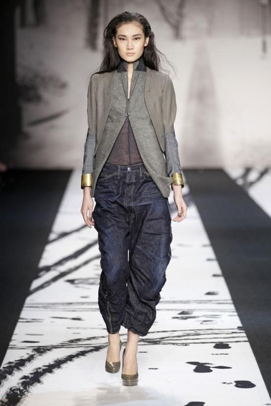Женские брюки 2012 изоражения