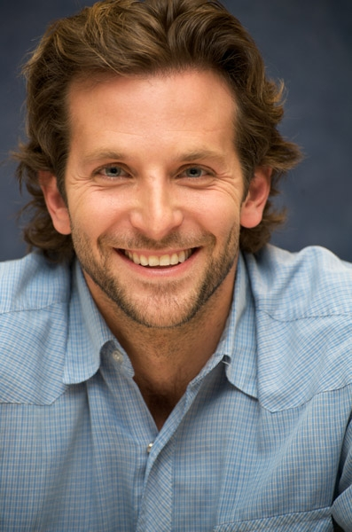 Самые привлекательные мужские улыбашки / фото 2019 джозеф гордон левитт
