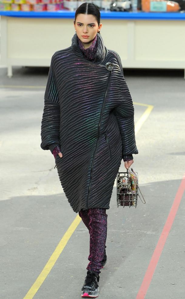 Неделя моды в Лондоне 2017: Кейт Мосс на показе Topshop