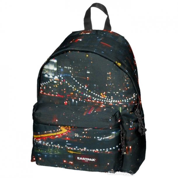 7fec2dfbaf09 Лавандовый рюкзак от этого бренда — настоящий подарок для поклонников  минимализма. Найти можно на сайте ASOS.