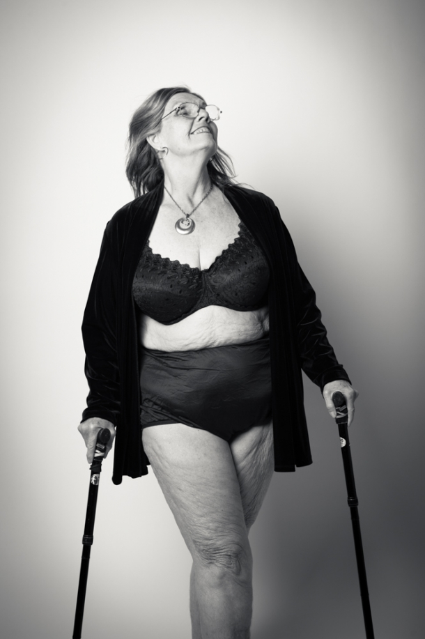 Совершено голое тело женщин 18 фотография