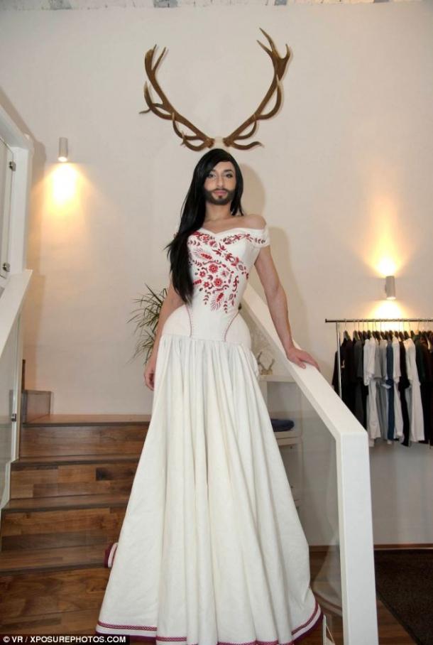Фото кончиты вурст в платье