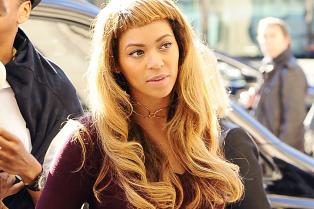 beyonce-cut-her-hair-now-has-bangs-04