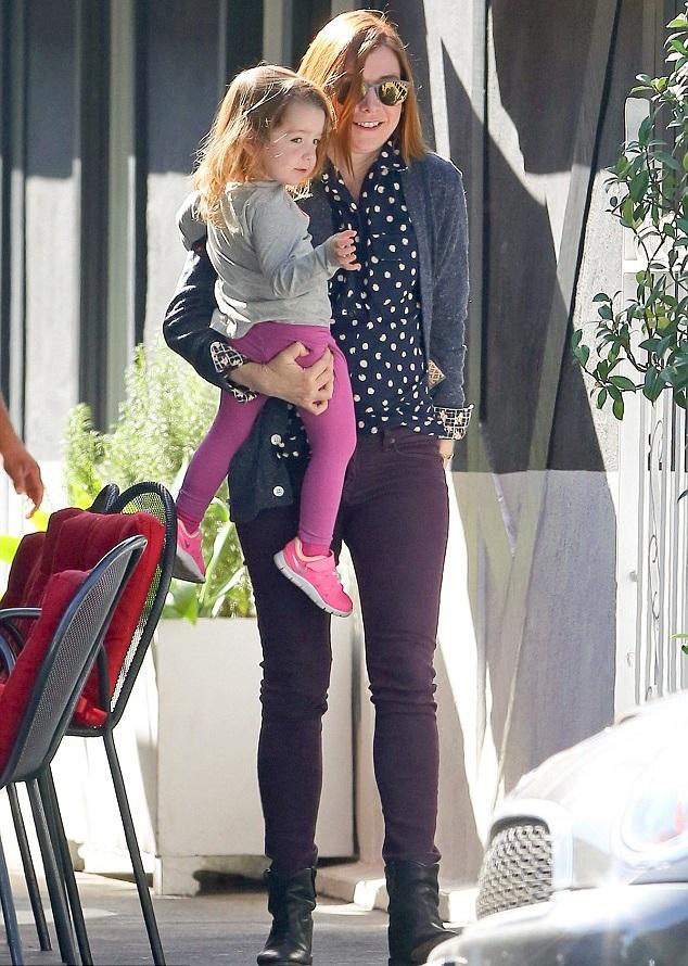 Элисон Ханниган с дочкой Кивой