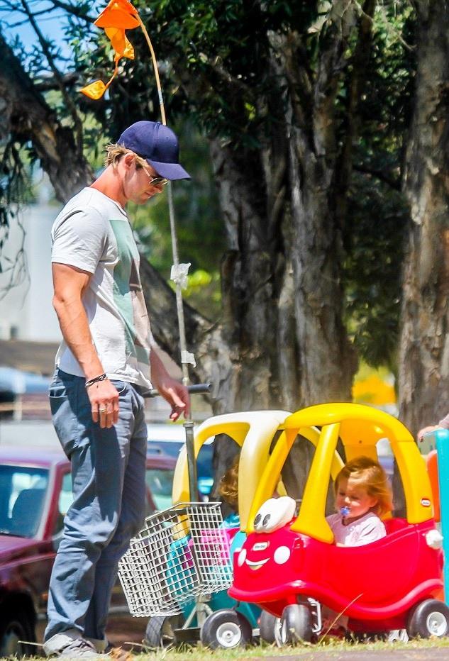 Hemsworth_kids