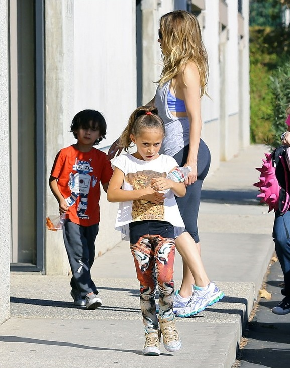 Exclusive... Jennifer Lopez Takes Her Kids To A Dance Class