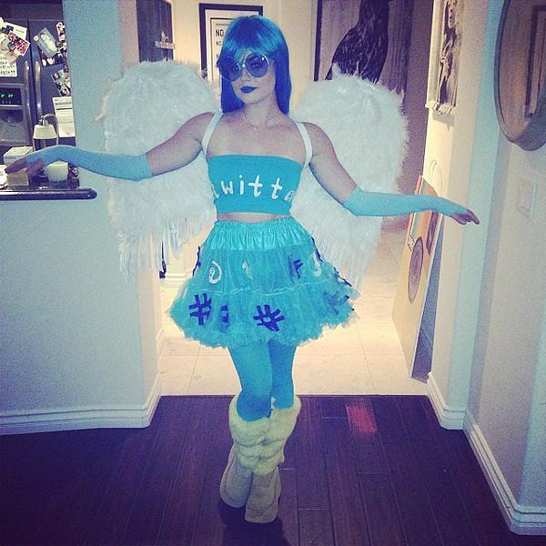 Lucy-Hale-ready-take-flight-Twitter-bird