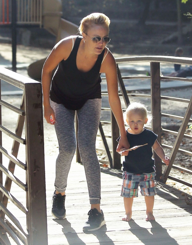 malin-akerman-with-her-son-at-the-park-in-la-_5