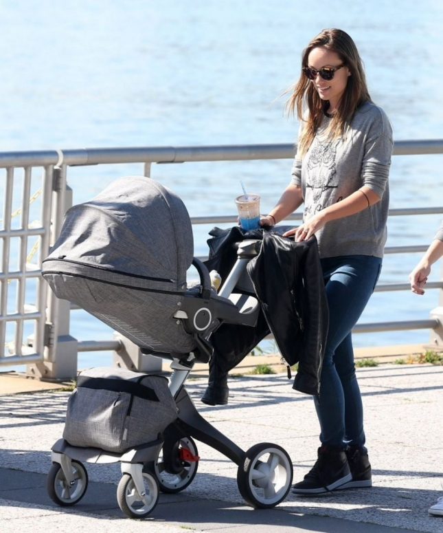 olivia-wilde-out-with-her-baby-in-nyc_4