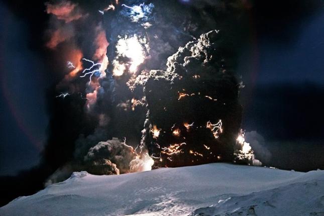 Вулкан, Исландия, 31 октября. с Хэллоуином вас, ребятки!