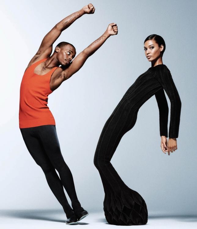 Джоан Смоллс и Лил Брук  в фотосессии для WSJ Magazine