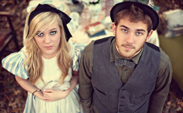 Alice-in-Wonderland-engagement-photo