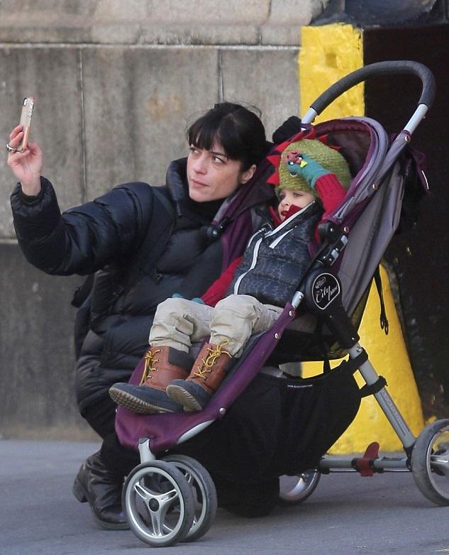 Сэльма Блэр с сыном